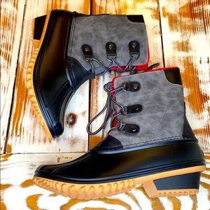 Nature Breeze Gray & Black Duck Boots Size 10